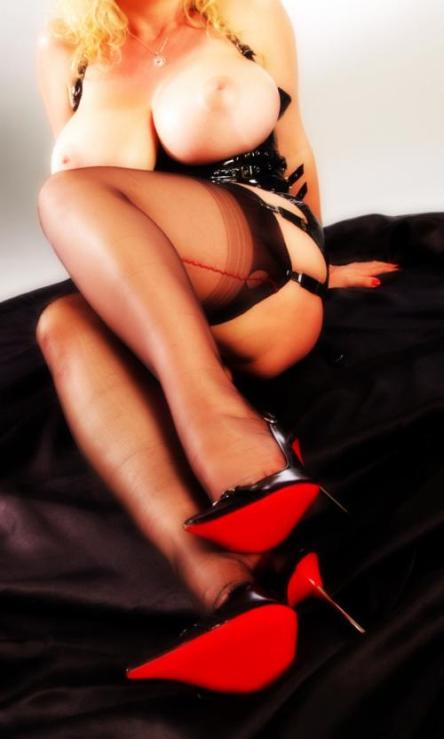 cbt independent blonde escort